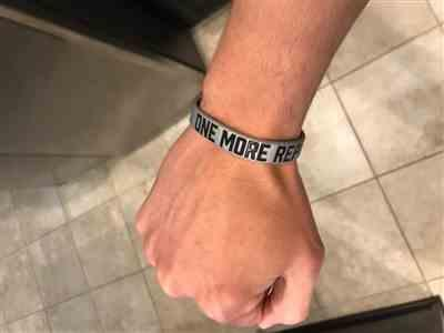 Elite Athletic Gear ONE MORE REP Wristband Review