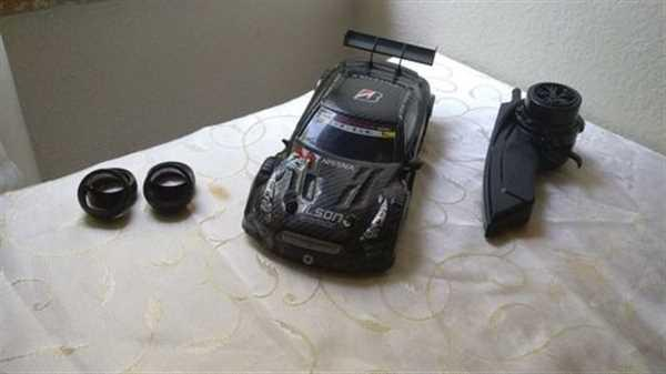 TheRainbowBunny GT-R RC Drifting Car Review