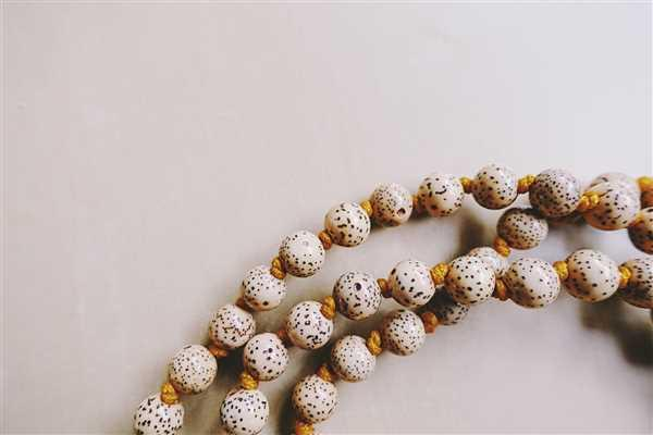 Anastasia Petukhova verified customer review of Hand Knotted Lotus Seed Mala