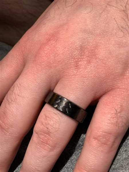 Carrie Allard verified customer review of Ultra Carbon Fiber Ring - Forty Five Narrow / Polished