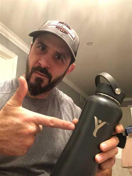 Robert Pallante verified customer review of Insulated DYLN Water Bottle