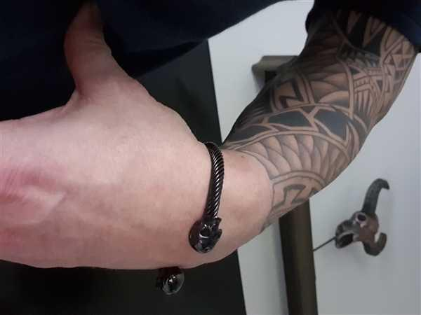 Manfred Willingham verified customer review of Infinity Metal Cuff