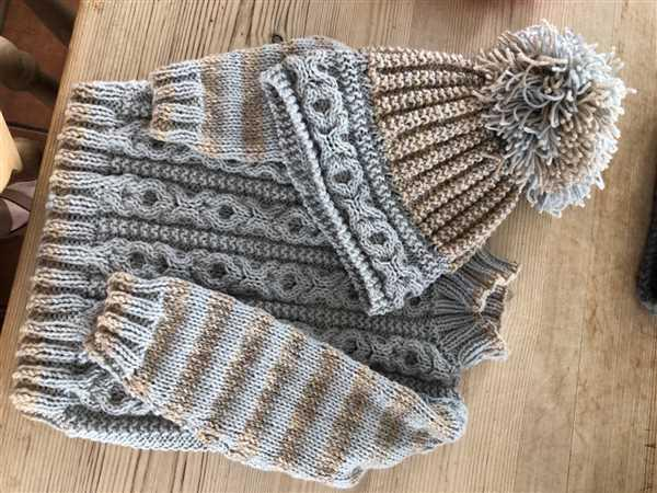 Deramores Sweaters, Hats & Socks in King Cole DK Review