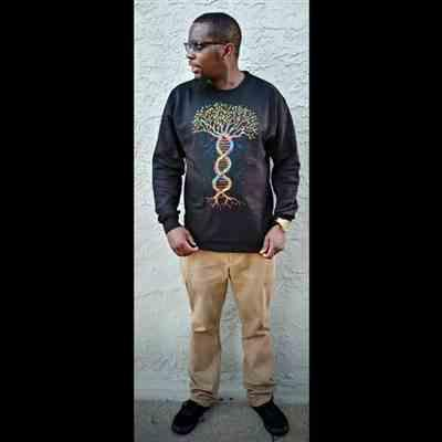 RASHOUN KNOWLING verified customer review of Tree of Life Crewneck Sweatshirt