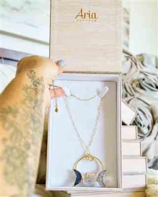 Melissa verified customer review of La Luna Triple Moon Necklace