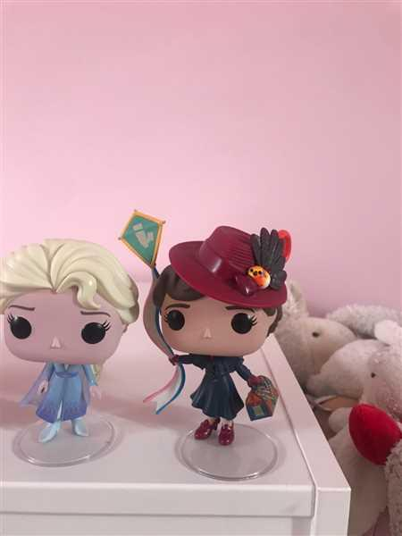 Robert Ralf verified customer review of Pop! Disney #468: Mary Poppins: MARY with KITE