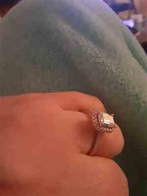 Kayla Sosa verified customer review of 1.25 ctw Emerald Halo Ring