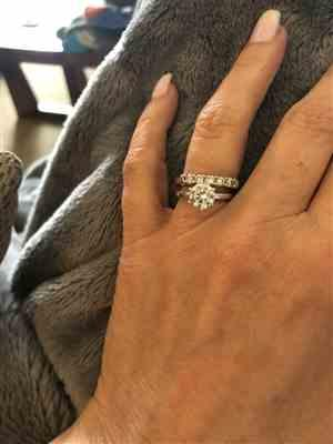 Pamela Landefeld verified customer review of 1.5 ct 6 Prong Solitaire Ring