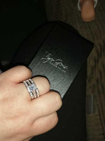 Alyssa GARDNER verified customer review of 2.6mm Channel Half Eternity Band, 40% Final Sale
