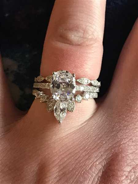 Alyssa Frament  verified customer review of 2.25 ctw Art Deco Oval Accented Solitaire Set