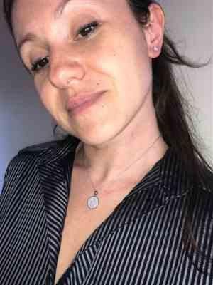 Natalia Nik verified customer review of Round Disc Necklace