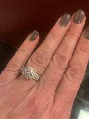 Lydia Lowe verified customer review of 2.25 ctw Square Halo Ring