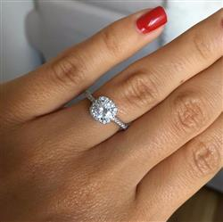 Josefine verified customer review of 3/4 ctw Square Halo Ring