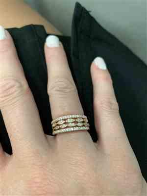 Nathalie verified customer review of Art Deco Half Eternity Band Set - Rose GP