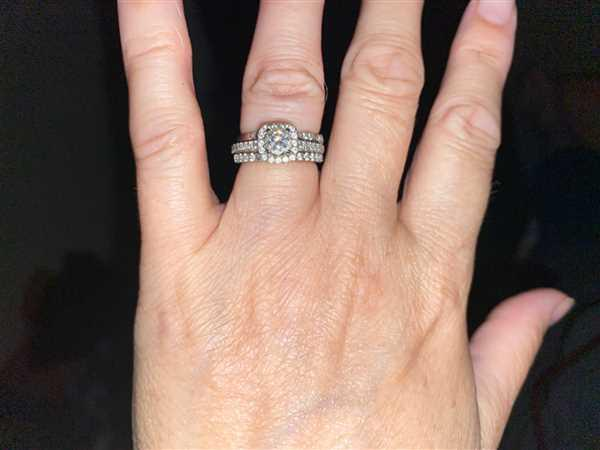 Tiger Gems Art Deco Half Eternity Band Set Review