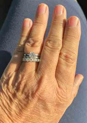 Paula Brill verified customer review of 1 ct Solitaire Ring, 40% Final Sale, Sz 4, 9-12