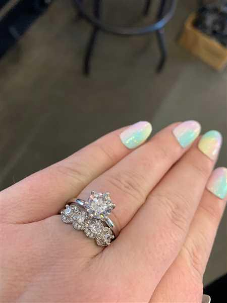 Shannon Tierney verified customer review of 2 ct 6 Prong Classic Solitaire Ring - 40% off Final Sale, Sz 9-12