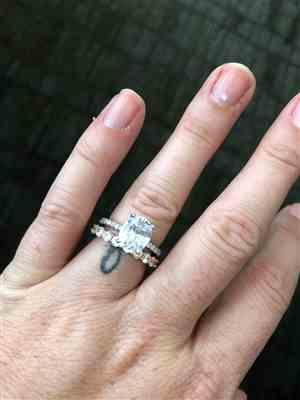 Cierra Fabrigas verified customer review of 3.25 ctw Oval Accented Solitaire Ring