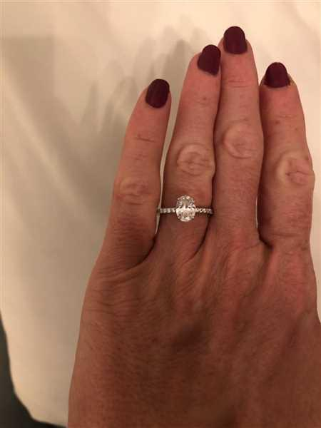 Kelly Zanni verified customer review of 1.25 ctw Oval Accented Ring