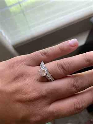 Daniela F. verified customer review of 1.25 ctw Round Accented Solitaire Ring
