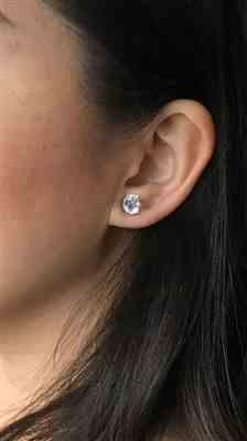 mai nguyen verified customer review of 4 ctw 4 Prong Stud Earrings, 2 ct Each