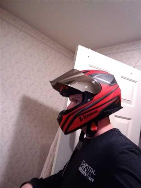 Nolan A. verified customer review of 988 Moto-1 Full Face Matte Black/Red Synchro Helmet