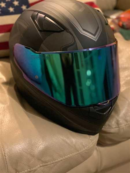 Jamie Leary verified customer review of 988 Moto-1 Full Face Face Shields