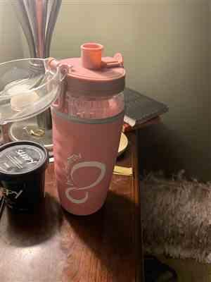 Diane verified customer review of 32oz Fruit Infuser Water Bottles With Time Marking & Insulation Sleeve