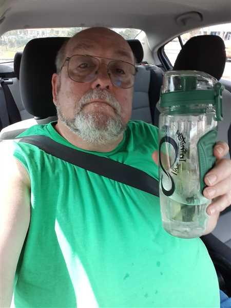 James Rock verified customer review of 32oz Fruit Infuser Water Bottles With Time Marking & Insulation Sleeve