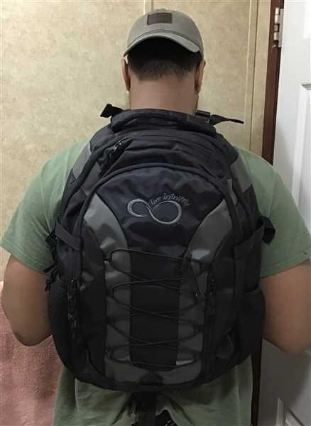 Jose F verified customer review of 30 Liter Hiking Backpack with 3 Liter Hydration Water Bladder