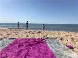 Courtny R. verified customer review of Live Infinitely 9' x 10' Sand Free Nylon Beach Blanket