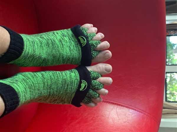 Happy Feet - The Original Foot Alignment Socks Green Foot Alignment Socks Review