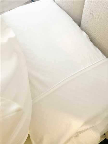 Victoria.cheshire79@hotmail.com Brown verified customer review of Hampton and Astley Long-Staple Cotton Sateen Luxury Deep Fitted Sheet, Pure White
