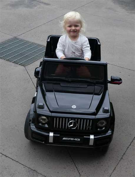 Owen Coulson verified customer review of Mercedes Benz G63 AMG 12v Kids Ride-On SUV w/ Remote - Black