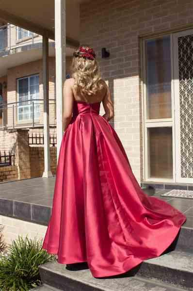 laila piantino verified customer review of TINAHOLY Lucille Gown TA611 (Red) - RRP $440