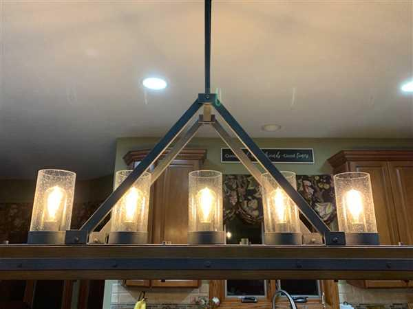 Amy Firrell verified customer review of Curved LED Hairpin Filament Edison Bulb - 2 Watt - 2200K