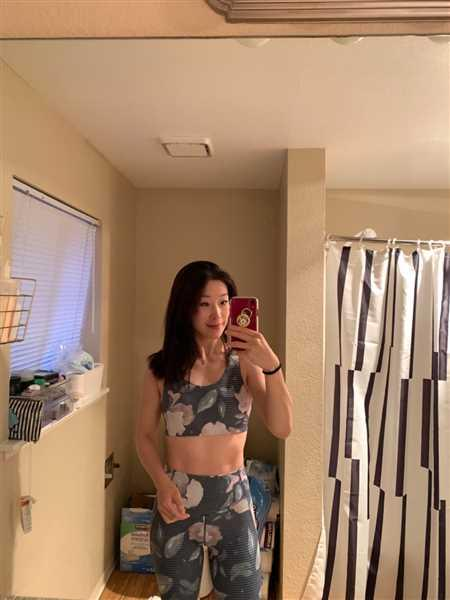 Seolhee Mortinson verified customer review of Strappy Sports Bra - Whispering Floral