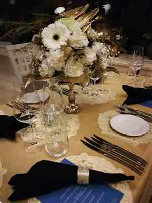 Gaby Csontos verified customer review of Medallion Jacquard Sheer Tablecloths & Overlays