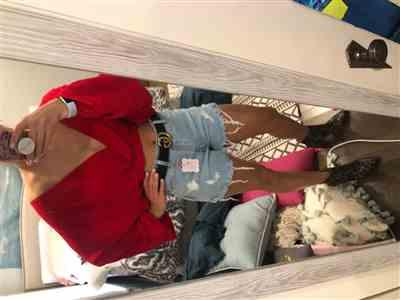 Anonymous verified customer review of Monica Bubble Sleeve Red Crop Top