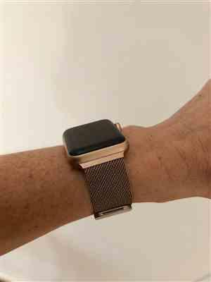 Jodi Allen verified customer review of Bronze Milanese Loop Apple Watch Band