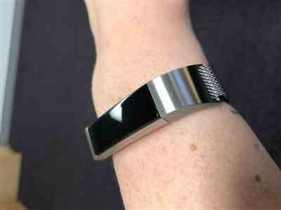 Daneille Crawford verified customer review of Fitbit Alta Milanese Loop Bands