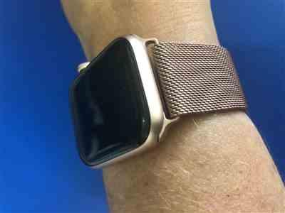 Aimee Stanyer verified customer review of Aurum Gold Milanese Loop Apple Watch Band