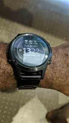 Daimian Parkes verified customer review of Black Classic Stainless Steel Garmin Fenix 5 / Fenix 6 Band