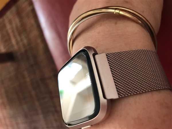 Anonymous verified customer review of Milanese Loop Fitbit Versa Band