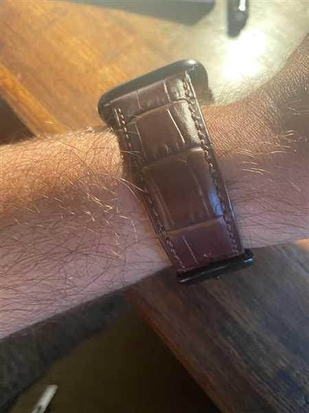 Dan Lake verified customer review of Italian Calf Leather 3 Pin Clasp Apple Watch Bands