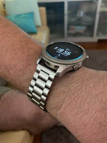 Sally Filtness verified customer review of Silver Milanese Loop Samsung Gear S3 Band
