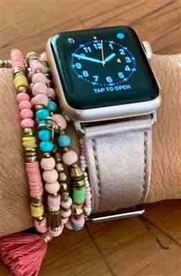 Petra Bottner verified customer review of Pastel Leather Apple Watch Band
