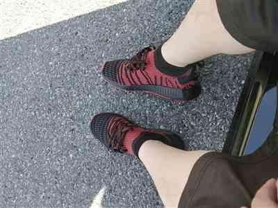 James A. verified customer review of Black/Red Japanese Katakana Shoelaces
