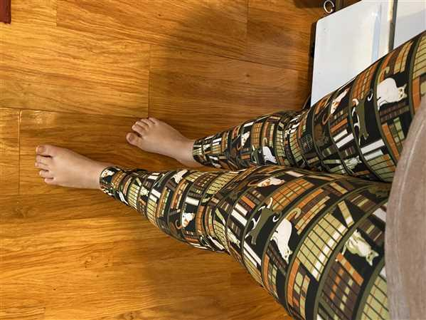 Svaha USA Cat-a-Log of Feline Fiction Adults Leggings with Pockets Review