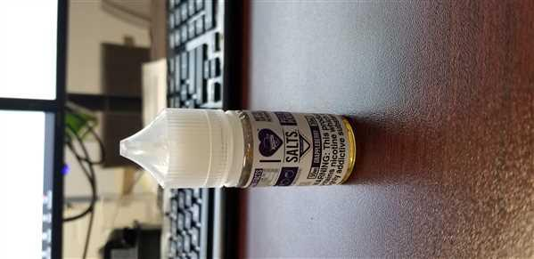 eJuices.com I Love Salts by Mad Hatter - Grappleberry Review